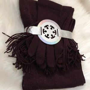 NWTNew York & company  Scarf and gloves set